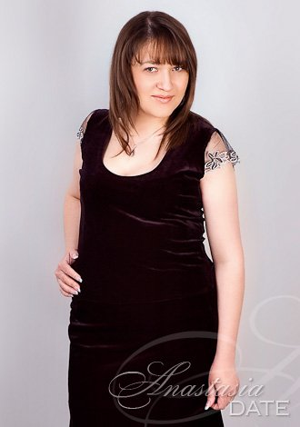 Gorgeous single women: Nataliya from Bender, blue sapphires Russian lady